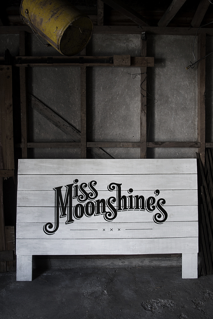 Miss Moonshine's Painted Sign / Logo